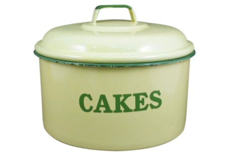 Enamel Cake Tin in Cream and Green